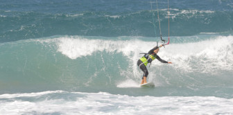 Kitesurfing means waves! Wave spot in Egypt